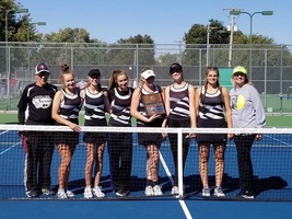 Tennis Qualifies Five for State, Takes Second at Regionals